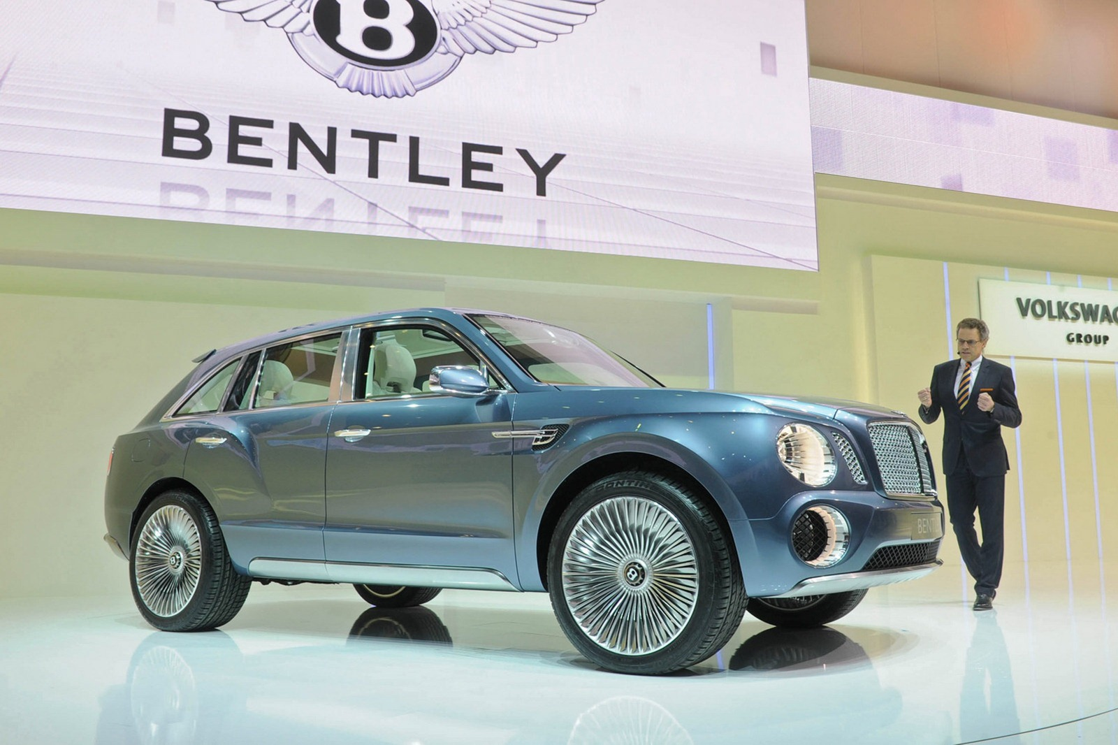 Bentley SUV 2012