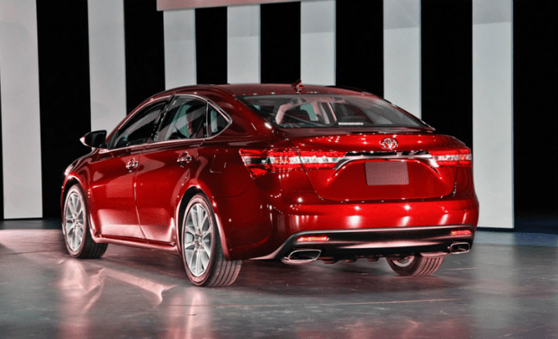 Toyota Avalon Limited Hybrid